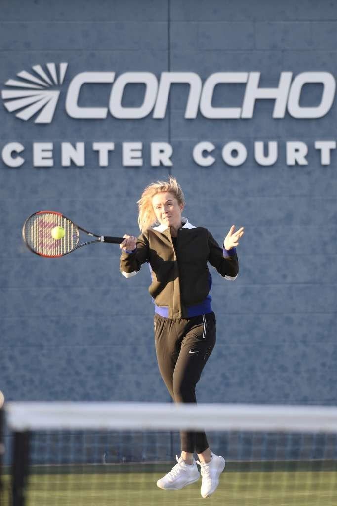 Elina Svitolina serving at Bush Tennis Center in Midland, TX
