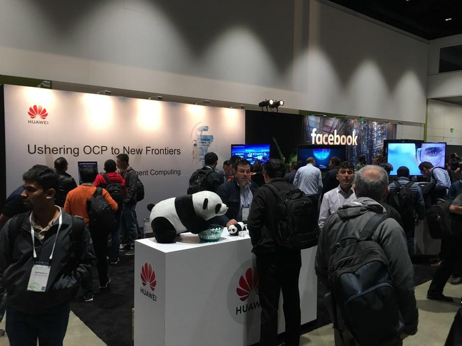 Huawei Booth in OCP Global Summit (PRNewsfoto/Huawei)