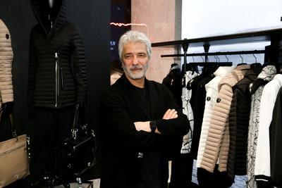 Evik Asatoorian, président et fondateur de Rudsak, devant le nouveau magasin phare de Rudsak de la Hudson Yards Luxury Plaza, à New York. (Groupe CNW/RUDSAK)