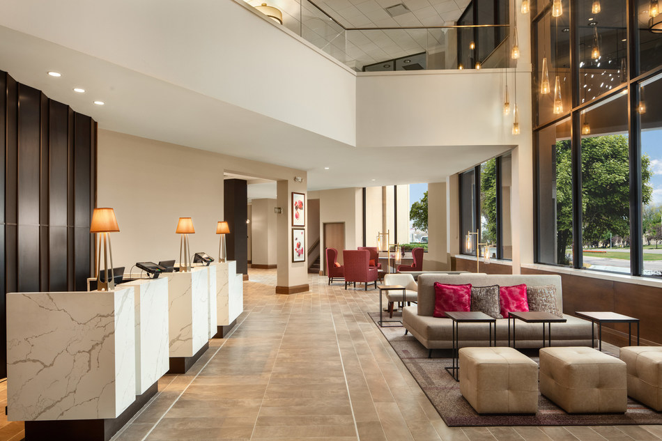 The Crowne Plaza®–Dallas Market Center's multi-million dollar renovation includes extensive enhancements to the hotel lobby, guest rooms, exterior, meeting space, pool and fitness center, thus reshaping nearly every aspect of the hotel.