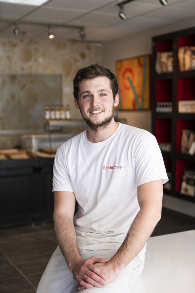 Monsieur David Rigatti de la boulangerie Borderon et fils (Québec), grand gagnant de toutes les catégories du concours (Groupe CNW/La Milanaise)