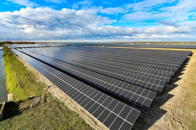 Moerdijk Solar Park supplied by Suntech