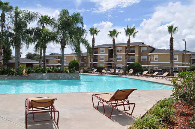 Arbors on Saratoga has a large pool with WiFi access