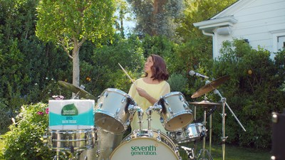 A new Seventh Generation advertisement starring Maya Rudolph and Mike the Tree brings awareness to what a big impact on the environment – and trees – making the switch to recycled toilet paper can bring.