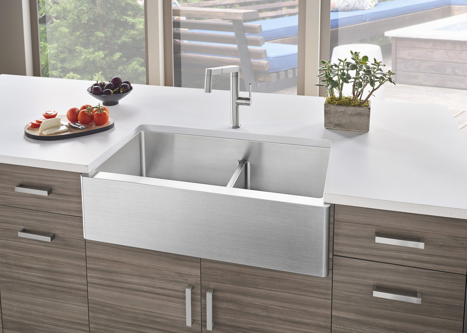 blanco's popular quatrus® r15 collection adds new 1-3/4 farmhouse sink with low divide to
