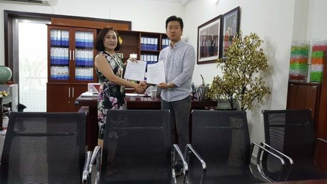 Linh Thanh Group, the largest distribution company in Vietnam and KRONN Ventures AG, a blockchain company from Zug, Switzerland, signed a memorandum of understanding(MOU) for the production of cryptocurrency and the establishment of cryptocurrency exchange in Vietnam.