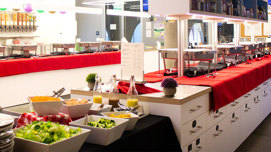 ZeroCater's Enterprise Catering solution delivers office meals with unmatched variety at scale.