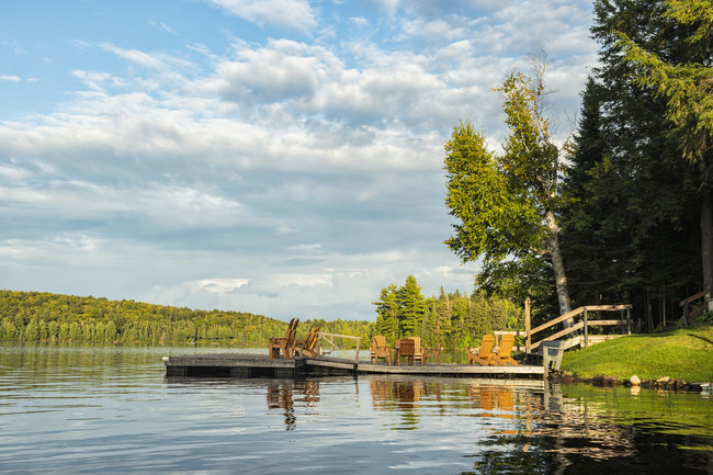 Porter Airlines opens Ontario's Muskoka region to North American travellers with summer service. (CNW Group/Porter Airlines)