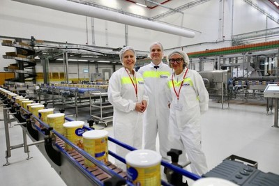 Deputy Prime Minister of the Netherlands, Carola Schouten (L) pictured with head of Danone's Specialized Nutrition business, Véronique Penchienati-Bosetta (R) and Factory Director, Sijmon Hage, at opening of Danone's new €240 million specialized infant formula factory in Cuijk, the Netherlands.