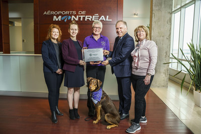 Left to right: Mary-Helen Paspaliaris, Office and Volunteer Manager, HSI; Ewa Demianowicz, Senior Campaign Manager HSI; Tracy Gallacher, Pet Squad Volunteer and Lexi (her dog); Philippe Rainville, President & CEO, Aéroports de Montréal; Johanne Tassé, Responsible Pet Squad & Founder Companion Animal Adoptions Centres of Québec (CNW Group/Aéroports de Montréal)