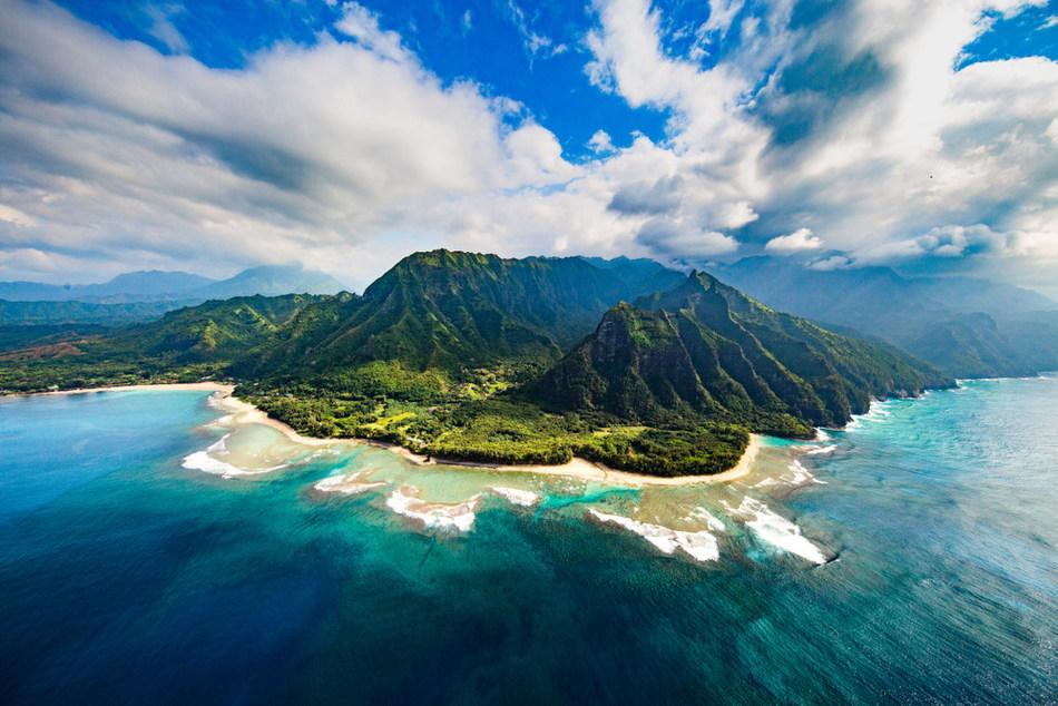 Competitive Health, Inc. to take five elite brokers to Hawaii.