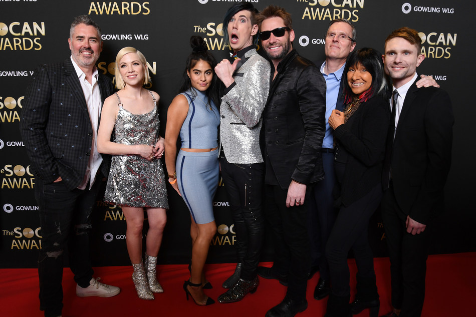 Winners celebrating at the 2019 SOCAN Awards. Left to right: Ed Robertson, Carly Rae Jepsen, Jessie Reyez, Josh Ramsay, Chad Kroeger, SOCAN CEO Eric Baptiste, Buffy Sainte-Marie, and Tavish Crowe. (CNW Group/SOCAN)
