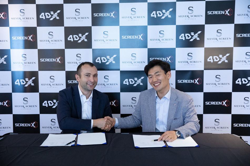 (Left) Aleksei Malaichuk, CEO of Silver Screen / (Right) JongRyul Kim, CEO of CJ 4DPLEX