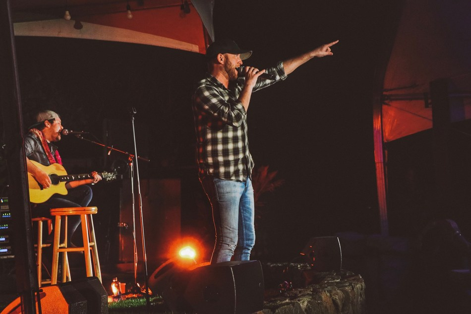 Country music singer-songwriter Cole Swindell performs an exclusive concert for Diamond Resorts members at Ka'anapali Beach Club in Lahaina, Hawaii. Members had a chance to meet Swindell before the beachside show on March 25, 2019.