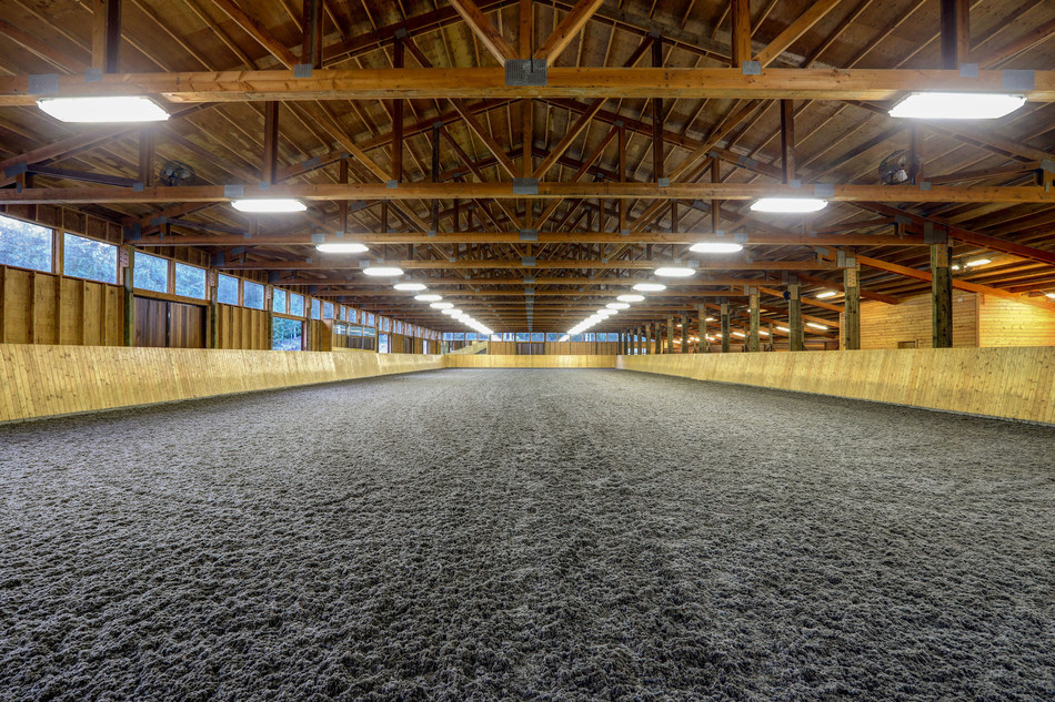 Equestrian Estate South of Seattle - With Arena & Helipad