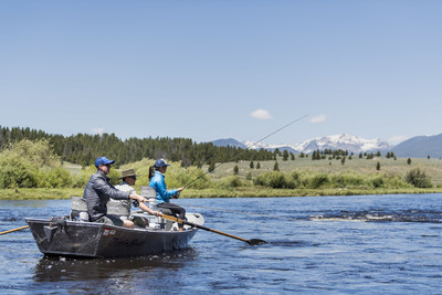 Soak in the beauty of Montana with a guide. (Photo Courtesy: Visit Montana)