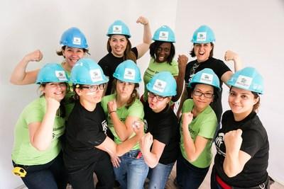 """Les """"Bâtisseuses"""" construisent de l'espoir pour les enfants et les familles de la communauté québécoise. (Groupe CNW/Habitat pour l'humanité Québec)"""