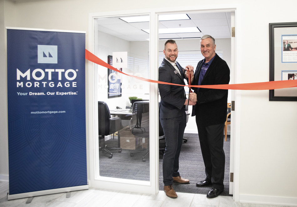 Father and son Grant and Ray Zabielski, celebrate the grand opening of Motto Mortgage HPLB in Naperville, IL on April 3, 2019. Established by Ray Zabielski, broker owner of Charles Rutenberg Realty of Illinois, Motto Mortgage HPLB is now open and serving all of Chicagoland. Grant Zabielski will run the day-to-day operations and serve as the lead loan originator.