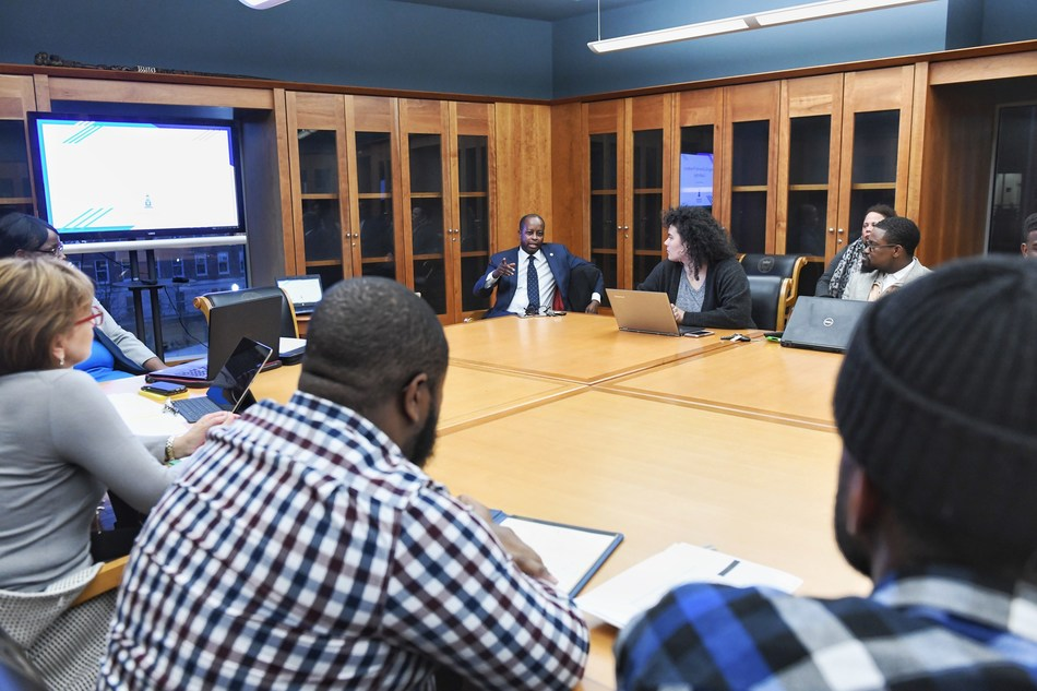 Students of ELPS603 engage in Dr. Wayne A. I. Frederick's roundtable lecture during the weekly course on College and University Presidency. Dr. Frederick is president of Howard University and a practicing surgeon at Howard University Hospital.