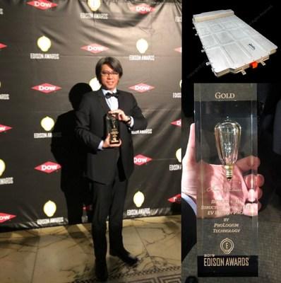 Vincent Yang , CEO of ProLogium receiving the award