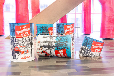 Maple Syrup Cans by Montéal artist WIA, an ode to sugaring off season. (CNW Group/Palais des congrès de Montréal)