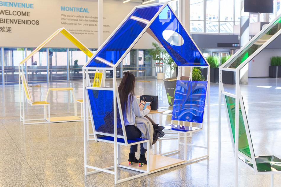 Contemporary lounge furniture designed by Machine. (CNW Group/Palais des congrès de Montréal)