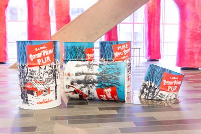 Les cannes de sirop d'érable de l'artiste WIA en l'honneur au temps des sucres. (Groupe CNW/Palais des congrès de Montréal)