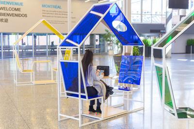 Du mobilier détente contemporain par la firme de design Machine. (Groupe CNW/Palais des congrès de Montréal)