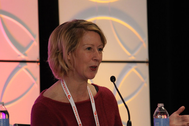 SeeLevel HX CEO Lisa van Kesteren shares essential insights for restaurants and food delivery apps at 2019 Food on Demand Conference.  Image Source: Joe Veen