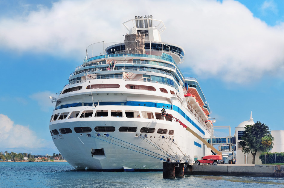 Oracle Hospitality Food and Beverage for Cruise Ships Delights Cruise-Goers