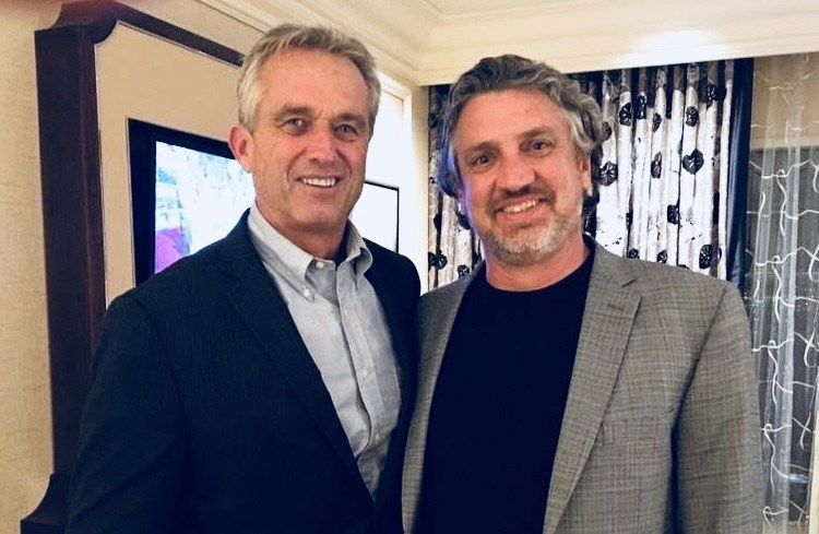 Robert F. Kennedy, Jr. (left) and ICAN founder Del Bigtree will speak in front of the California State Capitol building today, at a rally organized by Parents United 4 Kids, to raise awareness of SB276.