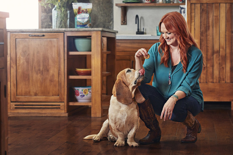 Backed by Purina's 90 years of experience in pet nutrition, The Pioneer Woman™ Dog Treats line is inspired by Ree Drummond's love for dogs and home cooking.