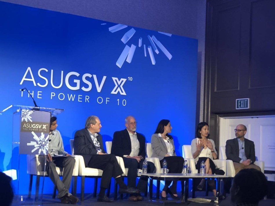 "Angela Bao (second from right), Head of Silicon Valley R&D Center at TAL, shares her ideas about ""AI + Education"" with several technical leaders of world-renowned educational institutions at the ""AI's Potential to Transform Education"" Forum."