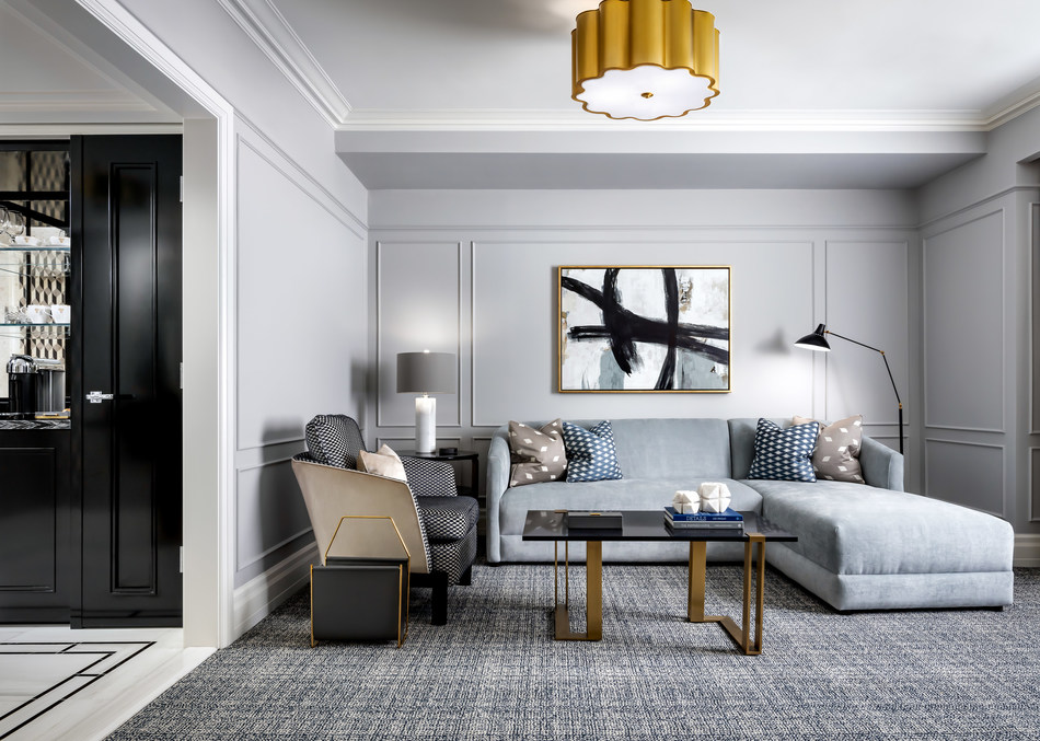 Living Area of Fairmont Gold One-bedroom Suite (CNW Group/Fairmont Royal York)