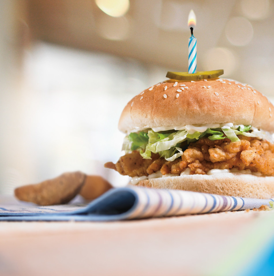 Mary Brown's Celebrates 50 Years of Delicious, including the Big Mary® Chicken Sandwich (CNW Group/Mary Brown's Inc.)