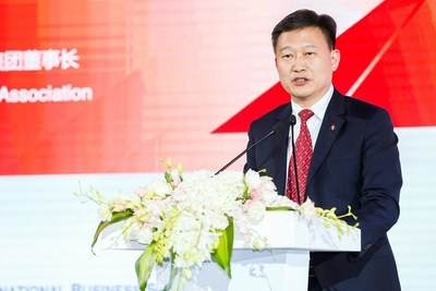 """President of CEIBS Alumni Association and Chairman of Landsea Group, Tian Ming, told the audience that CEIBS has now """"become an indispensable part"""" of his life."""