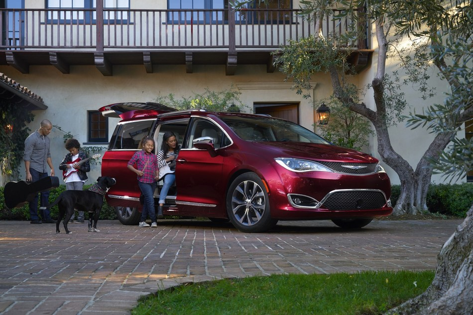 Good Housekeeping In Partnership With Car And Driver Named The Chrysler Pacifica A 2019