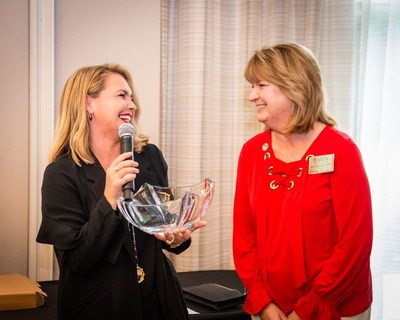 Kelly Deardorff, RCI vice president of project management and resort operations, was honored with the prestigious ARDA WINspiration Award, presented by Fiona Downing, RCI senior vice president, global strategic growth & development and ARDA WIN committee chair.