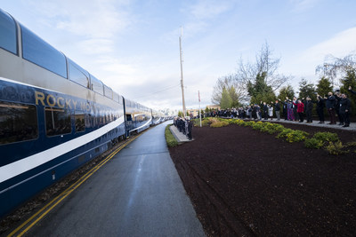 Wave-off at the Rocky Mountaineer station (CNW Group/Rocky Mountaineer)