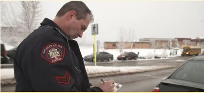Police officer gives a second chance to an organ donor. (CNW Group/Second Chances)