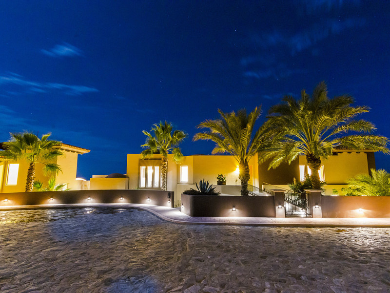 This oceanside villa in Cabo San Lucas was sold by Platinum Luxury Auctions at a live auction on April 13th. The pending sale is reportedly well in excess of the highest sale price achieved within at least the past 14 months for the luxury community of Pedregal, in which the property is located. The sale was conducted in cooperation with Cabo-based listing brokerage Snell Real Estate, an Engel & Völkers affiliate. Discover more at CaboLuxuryAuction.com.