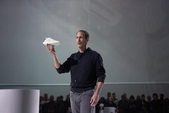 adidas' Eric Liedtke unveils FUTURECRAFT.LOOP - a 100% recyclable running shoe (PRNewsfoto/adidas)