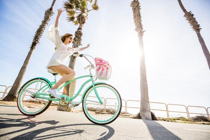 Αποτέλεσμα εικόνας για Travelzoo reveals the key to happiness: Travel more spontaneously