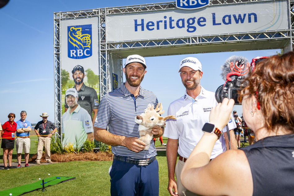 Johnson shows off winning prize – deer golf head cover (CNW Group/RBC)