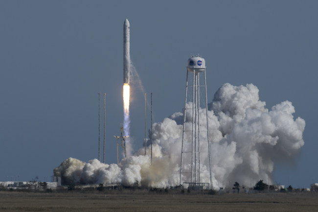 The Northrop Grumman Antares rocket, with Cygnus resupply spacecraft onboard, launches from Pad-0A, Wednesday, April 17, 2019 at NASA's Wallops Flight Facility in Virginia. Northrop Grumman's 11th contracted cargo resupply mission for NASA to the International Space Station will deliver about 7,600 pounds of science and research, crew supplies and vehicle hardware to the orbital laboratory and its crew. Photo Credit: NASA/Bill Ingalls