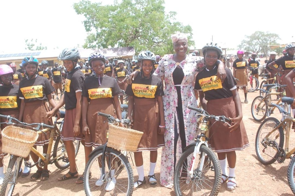 African_Bicycle_Contribution_Foundation_happy_with_bikes
