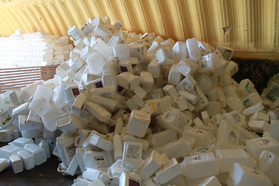 Ag plastic containers collected for recycling (CNW Group/CleanFARMS Inc.)