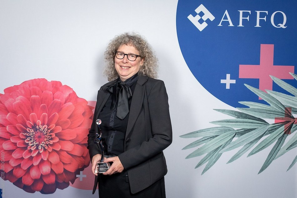 """Geneviève Morin, Chief Executive Officer, Anges Québec Capital. Winner of the """"Inspiration: Andrée-Corriveau"""" Award (""""Special recognition"""" award presented by the AQWF's Board of Directors). (CNW Group/Association of Québec Women in Finance)"""