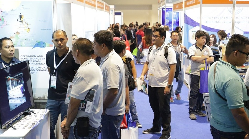 The 4 exhibition halls of Water Philippines 2019 and RE EE Philippines 2019 were bustling with quality trade visitors discussing and connecting with the participating companies about their showcase on water and energy technologies and solutions.