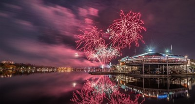 Traditional Victoria Day Fireworks, Sunday, May 19 at 10:00pm Sharp over Dow's Lake.  VIP Tickets Available at www.tulipfestival.ca (CNW Group/Canadian Tulip Festival)